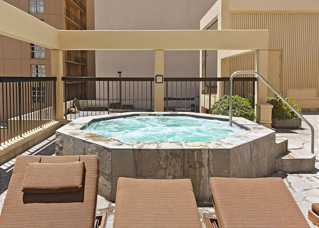 Waikiki Beachtower Jacuzzi