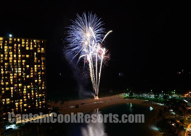 1 Amp 2 Bedroom Vacation Rentals At The Ilikai Hotel In Waikiki