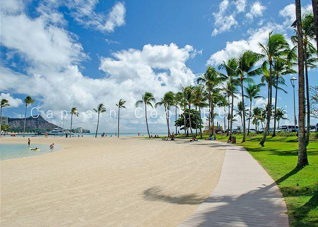 Lagoon walking path to Waikiki Beach behind Ilikai Hotel