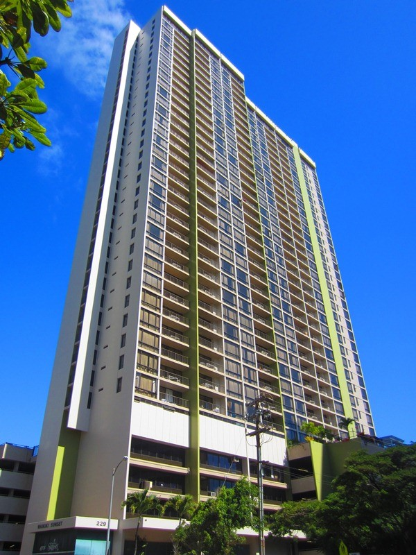 Waikiki Sunset Building