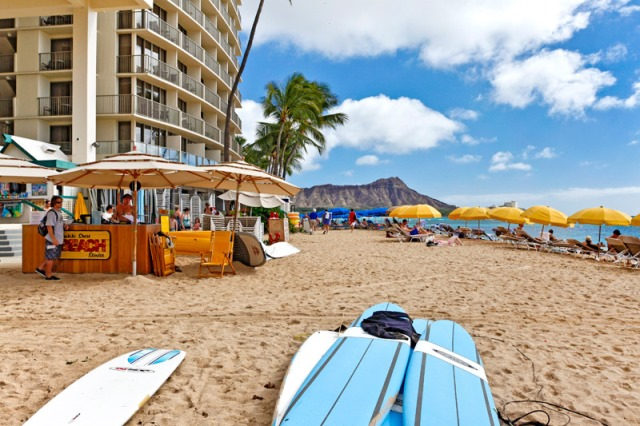 Relaxing Waikiki Beach