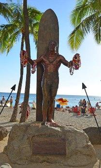Duke statue in Waikiki