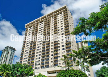 Four Paddle building for vacation rentals in Waikiki