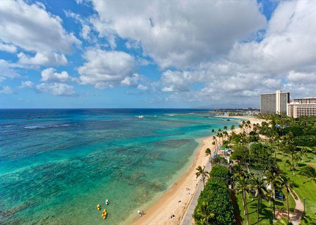 Waikiki Shore Vacation Rentals Beachfront Condos On Waikiki Beach - World-class-canterbury-estate-with-oceanviews